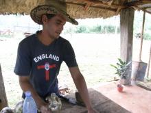 エクセルマクロ達人養成塾塾長ブログ-ココナッツを割ってくれました。